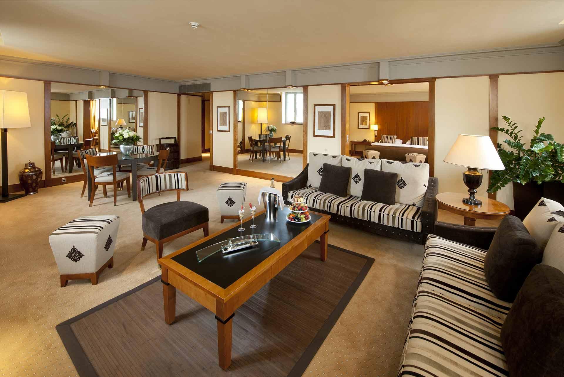 suites executive du beau rivage hotel neuch tel en suisse. Black Bedroom Furniture Sets. Home Design Ideas